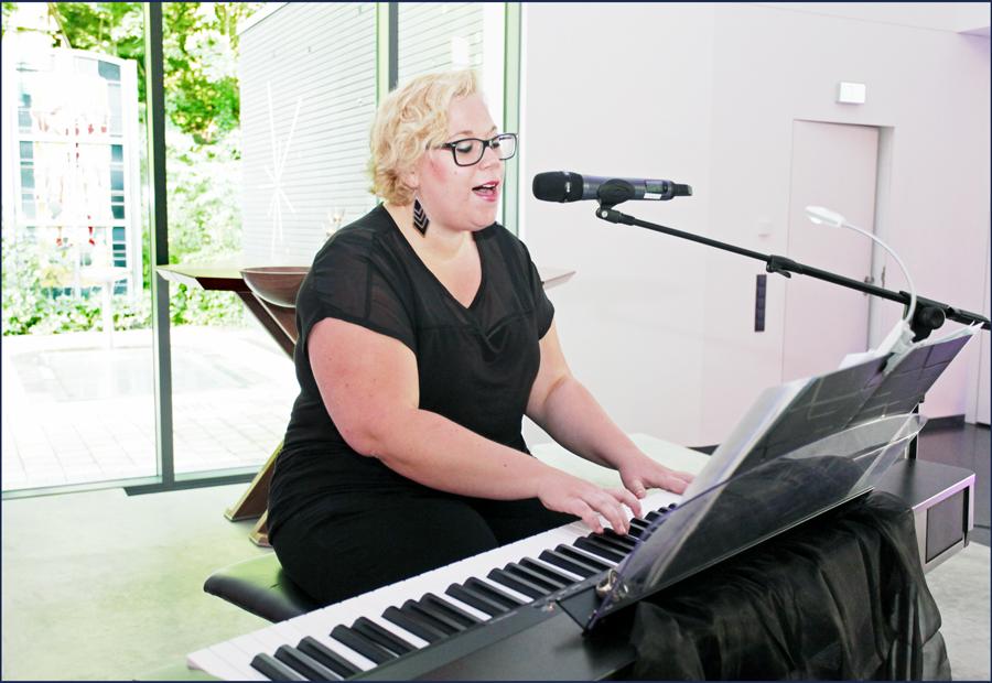 johanna-weber-am-piano2